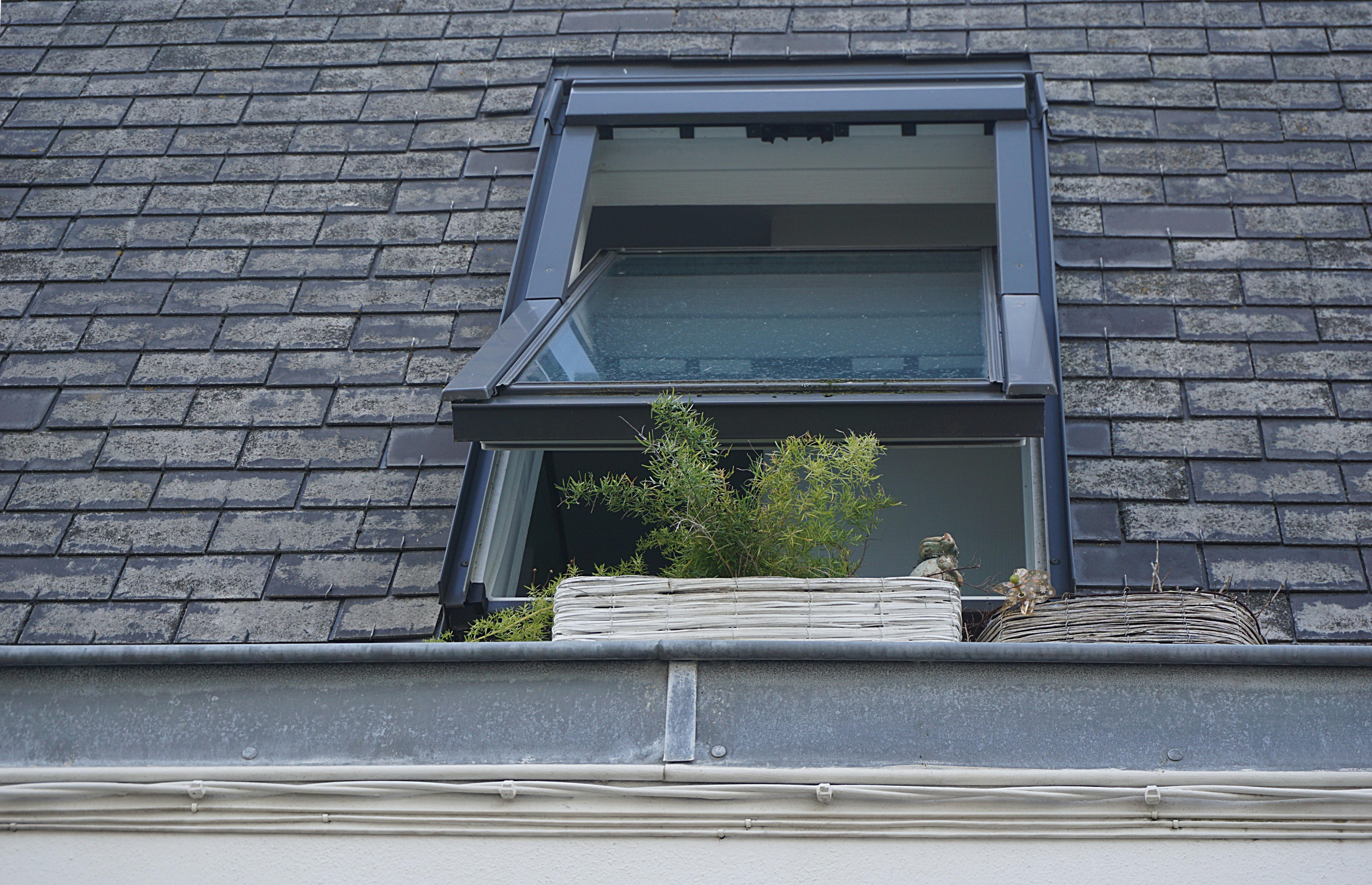 Okna w dachu plusy minusy.